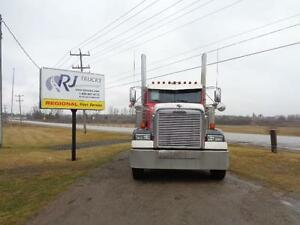 2009 FREIGHTLINER XL CLASSIC, REBUILT DETROIT Kitchener / Waterloo Kitchener Area image 2