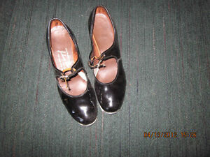 2 Pair of girls VINTAGE 1960's Patent Leather Tap Shoes London Ontario image 3