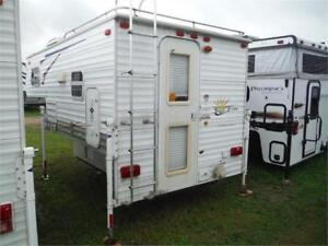 2008 Sunlite 850WT Hardwall Truck Camper with Toilet