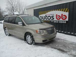 2008 Chrysler Town & Country  ( DVD MAGS TOIT )