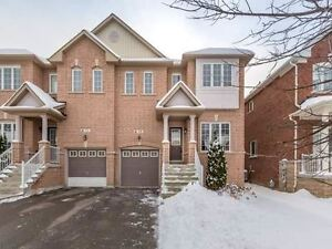 Stunning Semi In High Demand Area Of Oak Ridges, Steps To Parks,