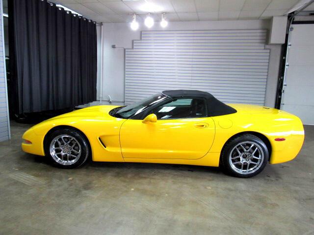 2000 Yellow Chevrolet Corvette Convertible  | C5 Corvette Photo 2