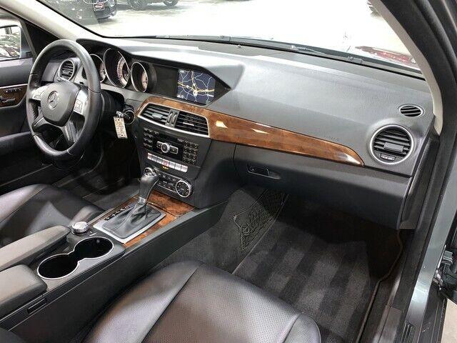 Image 8 Voiture Européenne d'occasion Mercedes-Benz C-Class 2012