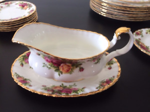 60-piece Royal Albert Old Country Roses