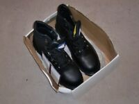 HIMALAYAN SAFETY BOOTS - SIZE 11 - BRAND NEW