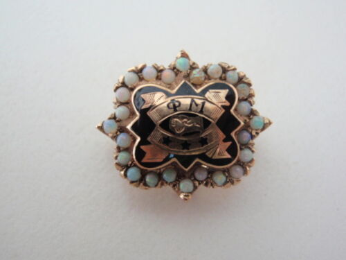 USA FRATERNITY PIN PHI MU. MADE IN GOLD 10k. OPALS! DATED. NAMED. 311