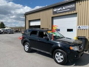 2010 Ford Escape XLT manuelle 5 vit. clean peu de rouille
