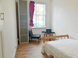 2 bedroom flat in Lillie Road, Fulham