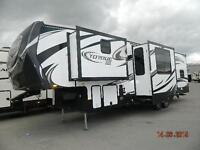 HUGE VALUE AND BEAUTIFUL 5TH WHEEL ! 2015 TORQUE 325