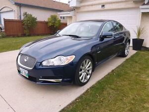 2010 Jaguar XF Premium Package Sedan