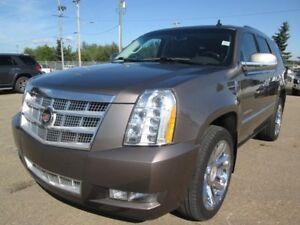2013 Cadillac Escalade Platinum AWD- Sunroof- Navigation- Dual D