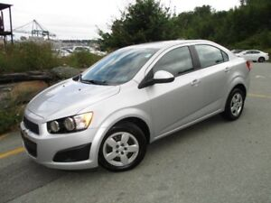 2015 CHEVROLET SONIC LS (SEDAN, AUTO TRANS, A/C, ONLY 65600 KM,