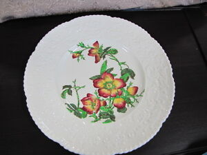 Vintage-Cauldon of England White decoritive Plate#2894