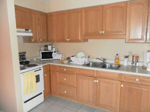 Spacious 3BR 2BA apartment at Erb/University AVAILABLE NOW! Kitchener / Waterloo Kitchener Area image 1