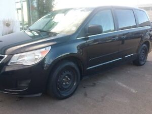 2012 Volkswagen Routan Comfortline 6sp at