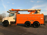 01 BUCKET TRUCK freightliner cat mint