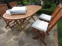garden table and chairs GOOD CONDITION