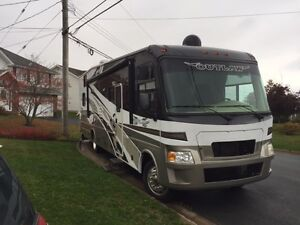 REDUCED OutlAW Toy Hauler Motorhome
