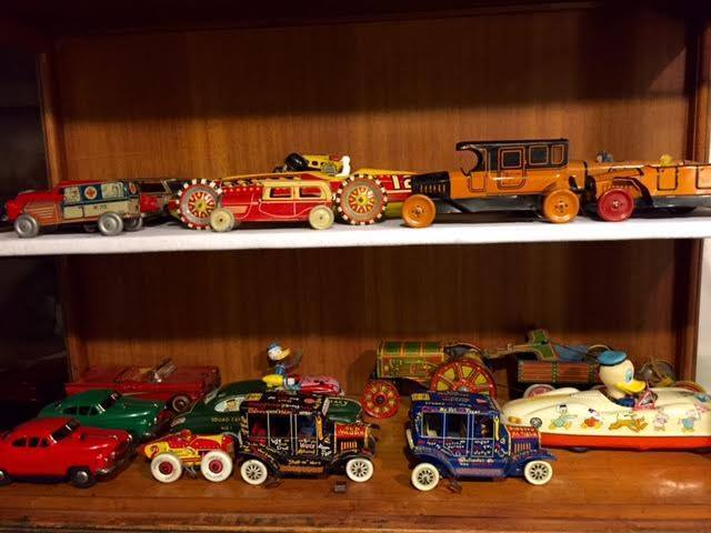 Andy'sAntiques,Collectibles&Toys