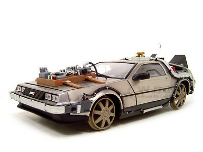 BACK TO THE FUTURE III 3 DELOREAN RAILROAD 1:18 MODEL CAR BY SUNSTAR 2714