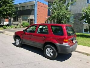 2005 FORD ESCAPE- automatic- 4CYLINDRES- 147 000km-    2400$