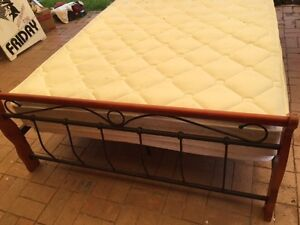 Queen size bed Erskine Park Penrith Area Preview
