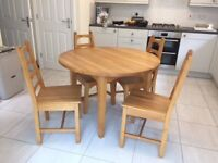 Kitchen Table and 4 chairs in pine