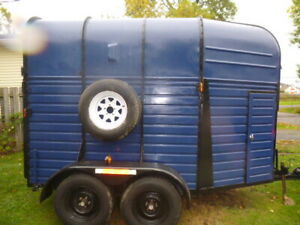 1972 Rice double horse trailer