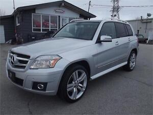 2010 Mercedes-Benz GLK350|SUNROOF|LEATHER|NO ACCIDENTS
