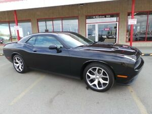 2016 Dodge Challenger SXT LEATHER SUNROOF Leather,  Heated Seats