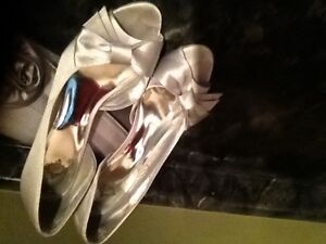 Shoes and clutch bag Stratford Kitchener Area image 1