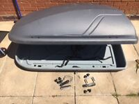 Roof box used once cost £170