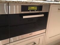 MIELE INTEGRATED STEAM OVEN DG4060 ALL TRAYS ETC & MANUAL NEW AND UNUSED £300.00