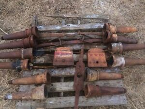 Vintage wagon axles & reach plates