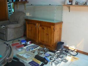 4 foot fish tank & stand with full salt / fresh water setup Killarney Vale Wyong Area Preview