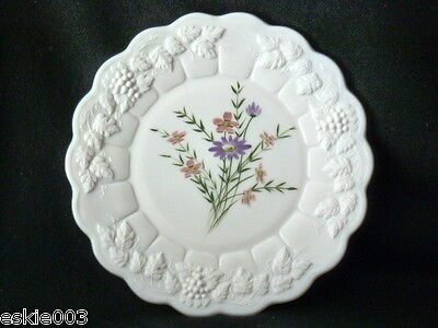 WESTMORELAND Milk Glass Hand Painted Floral  Panelled Grape Dinner Plate