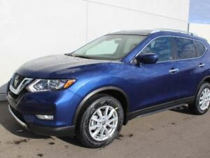 2019 Nissan Rogue SV AWD With Panoramic Moonroof And Technology
