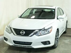 2016 Nissan Altima 2.5 SV Sedan Automatic w/ Sunroof, Remote Sta