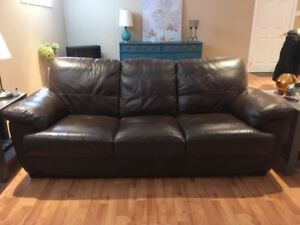 LEATHER COUCH-LIKE NEW