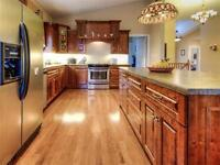 SIMPLY IMMACULATE 1906', 3 BEDROOM, 3 BATHROOM BUNGALOW!!!!