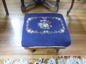ANTIQUE NEEDLEPOINT FOOT REST WITH WOOD BASE