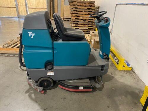 "Tennant T7 32"" Riding Disk Floor Scrubber"