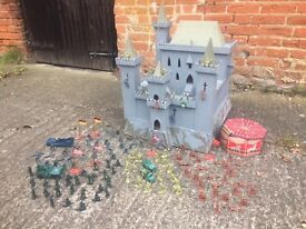 ULTIMATE CHILDREN'S KIDS TOY CASTLE USE WITH SOLDIERS LEGO WARGAMING ANTIQUE (DELIVERY AVAILABLE)