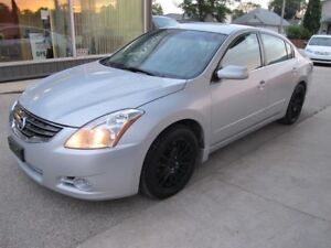2012 Nissan ALTIMA S 2.5  4 CYL 4 door sedan 104,000 k .. $10900