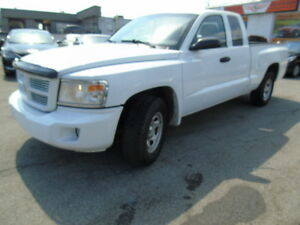 2008 Dodge Dakota 4x4 extended cab power seat we finance !!