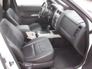 IMMACULATE !!! 2012 FORD ESCAPE London Ontario image 13