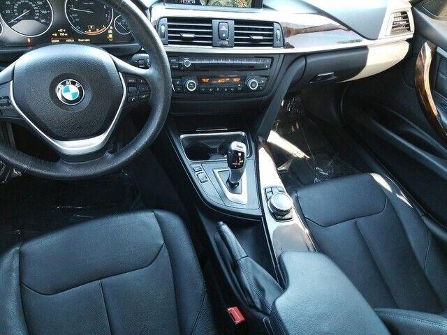 Image 2 Voiture Européenne d'occasion BMW 3-Series 2015