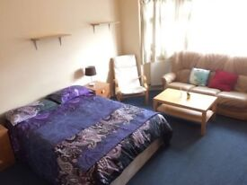 MASSIVE DOUBLE AVAILBLE IN CLEAN AND TIDY PLACE