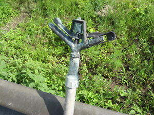 Irrigation sprinkler heads