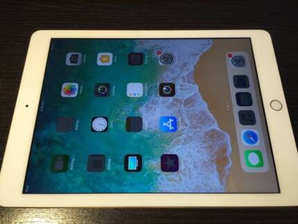 AS NEW 3mth old Apple iPad 5th Gen 2017 32GB WIFI GOLD